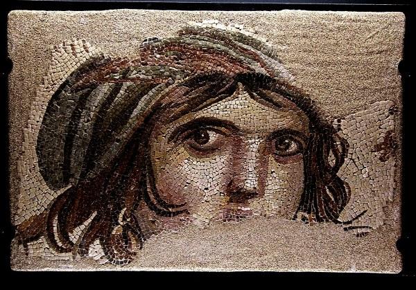 zeugma-mozaik-muzesi-cingene-kizi