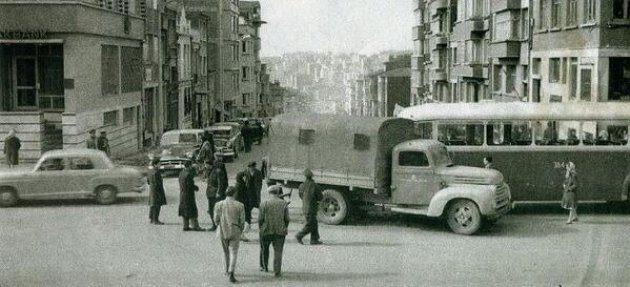 Eski İstanbul - Maroon